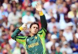 pakistan stretched in west indies warm up