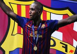 abidal weighing up barcelona deal extension