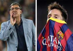 barca coach sees killer look in messi s eyes