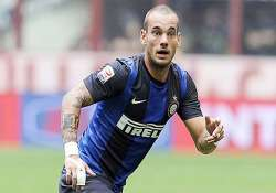 sneijder signs deal with galatasaray