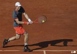 murray begins french open with straight set win