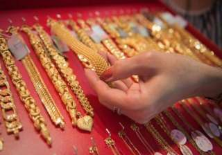 gold declines on increased stockist selling...