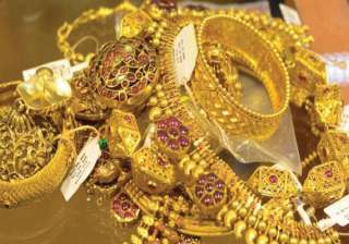 gold extends losses on stockists selling global...