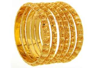 gold steady at rs 27 640 silver gains rs 250 -...
