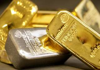 gold up by rs 250 silver ends flat - India TV
