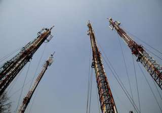 reliance jio in tie up with bharti infratel for...