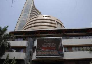 sensex tanks 371 pts on profit booking - India TV