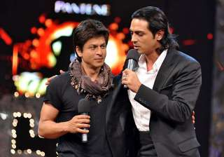 arjun rampal advices shah rukh to control his...