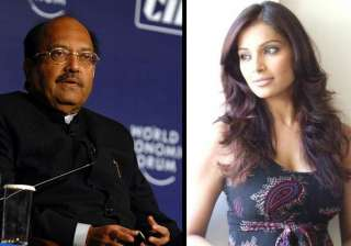 bipasha says voice in amar singh s tape is not...