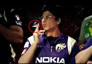 case against srk for smoking in public - India TV