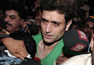 female director reveals truth about shiney ahuja...