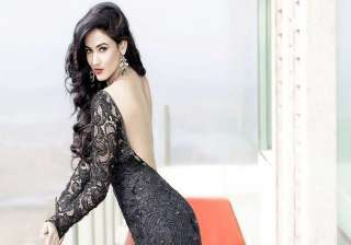 sonal chauhan s special role in size zero - India...