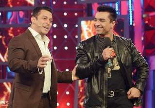 bigg boss halla bol ajaz khan kicked out of the...