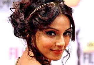 bipasha basu refuses to do college girl roles in...