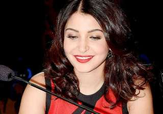 anushka sharma spotted with a mystery man in...