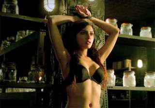 sapna pabbi to chat with men to promote...