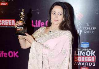hema malini gets emotional after receiving...