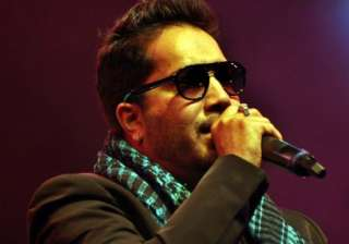 here s why mika singh slapped the dr for good at...