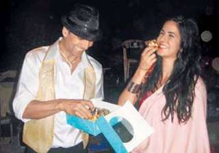 farah treats katrina to sweets after item song -...