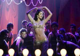katrina does a hot tapori number - India TV