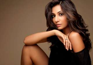 monica dogra to work with naseeruddin shah -...