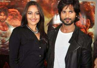 r...rajkumar lead pair shahid sonakshi to miss on...