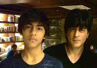 shah rukh khan worried about son aryan s partying...