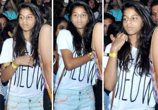 shah rukh khan s daughter suhana looked messy at...