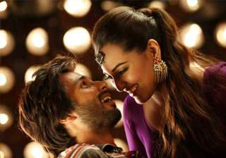 shahid kapoor the secret of sonakshi sinha s hot...