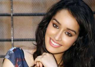shraddha kapoor enjoys vacation with friends -...