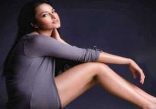sonakshi sinha has no time for love - India TV