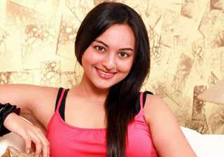 sonakshi to play a gangster s moll - India TV