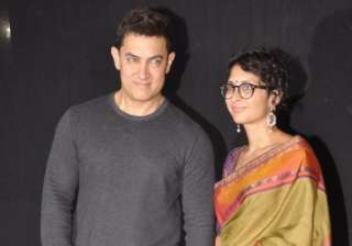 star parivaar 2014 aamir khan receives packet of...