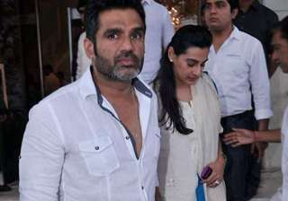 ailing father top priority for suniel shetty -...