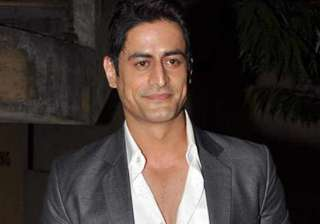 why did mohit raina skip special holi party -...