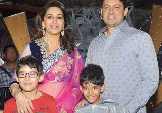 madhuri dixit i m a strict mother see pics -...