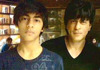 shah rukh khan shows love for son on twitter see...