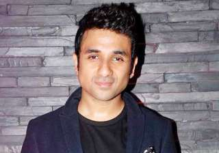 vir das gets emotional over playing rishi kapoor...