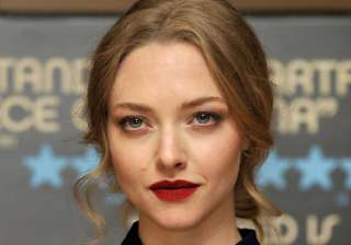 amanda seyfried to croon in ted 2 - India TV