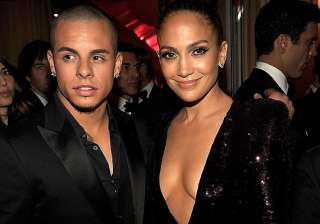 jennifer lopez s ex casper smart still living in...