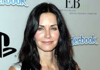 courteney cox breaks wrist on vacation - India TV