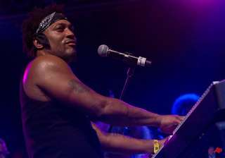 d angelo makes 1st us appearance in 12 years -...