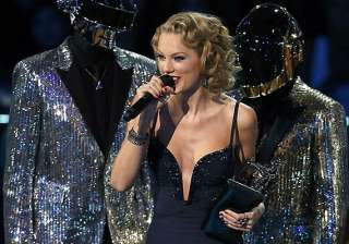 did swift thank styles for song - India TV