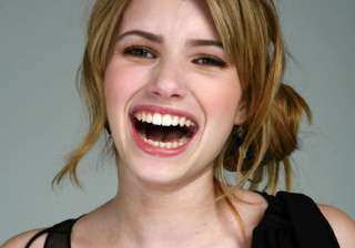 emma roberts in love with blonde look - India TV