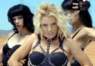 i always sing live britney spears - India TV