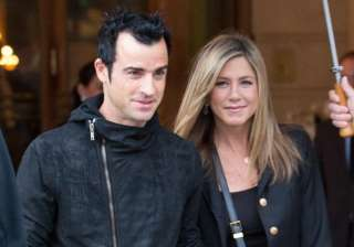 jennifer aniston justin theroux scouting for...