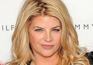 kirstie alley wants to make out with justin...