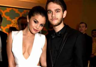 selena gomez on cloud nine with zedd - India TV