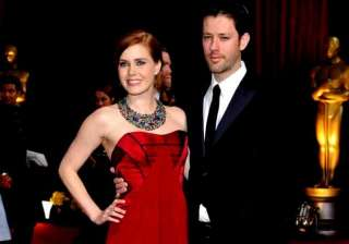 amy adams to finally tie the knot with her fiance...