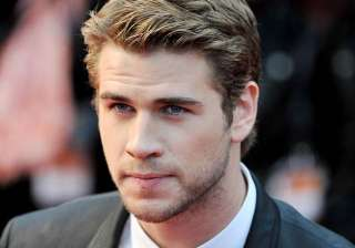 liam hemsworth offered independence day sequel -...